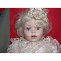 Кукла фарфоровая Mayfair (Biggi).