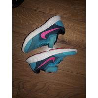 Фирменные кроссовки Nike размер 28.