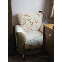 Кресло мягкое большое