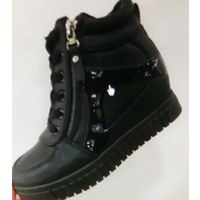 Красивые ботинки 40 размер