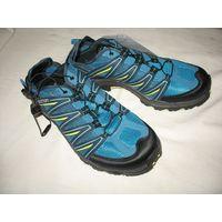 Кроссовки Salomon Lakewood Размер 41 (UK 7.5, EUR 41 1/3, USA 9, JAP 26), оригинальные. Снабжены системой быстрой шнуровки, удобный задник, который можно загнуть внутрь, чтобы одеть кроссовки по-быстр