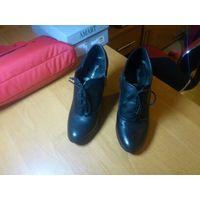 Ботильоны  женские, черный цвет, каблук 5 см, натуральная кожа, немного б/у