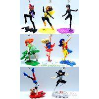 Серия игрушек из киндера супергероини