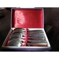 Комплект чайных ложек из мельхиора с серебряным покрытием в коробке.