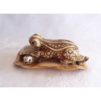 Статуэтка Лягушка Жаба на двух черепахах Нэцке Фэн-Шуй