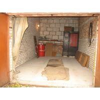 Гараж по ул халтурина 62 гск Гигант ( конечная троллейбусов Карастояновой) капитальный, размером 3,15 на 5,56, яма, свет, новая крыша, свежая бетонная стяжка на полу, не требует никаких вложений, при