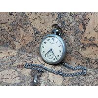 Часы Молния мельхиор,с цепочкой,ходят.Старт с рубля.