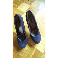 Туфли синие на каблуке, 38 рр