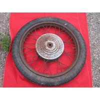 Оригинальное  колесо  на  ещё  родной-ЦЕЛОЙ покрышке 1962!!!  года. От Иж-49,56?