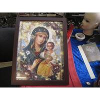 Рамка деревянная с изображением под стеклом Богоматери 30х40 см.