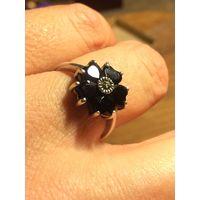 Кольцо с чёрным камнем