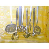Кухонный набор (ложка, черпаки и др.) 7 предметов