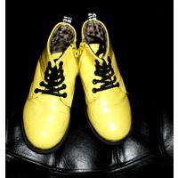 Ботинки желтые р. 31