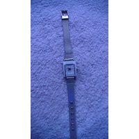 """Часы наручные кварцевые, женские. """"WoMaGe"""" браслет металлический под серебро. распродажа"""