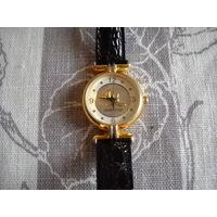 Часы женские кварцевые MaryKay