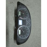 104584C Volkswagen Passat B5 щиток приборов 3B0920927