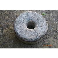 Каменный жернов