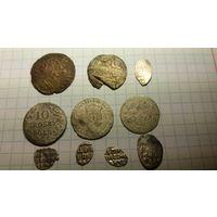 Монеты биллон и два счетных жетона.