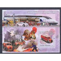 [1070] Гвинея-Биссау 2006. Пожарные автомобили. МАЛЫЙ ЛИСТ + БЛОК.
