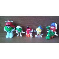 Фигурки M&M's эмэндэмс (Эм-н-Эмс) 5шт.: Желтый, Красный с ёлкой на паровозе, Зеленая Леди (GREEN LADY), Зеленый. (серия Рождество, Новый Год). (возможен обмен)