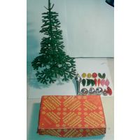 Ёлочка настольная разборная(30см.высота)+Дед Мороз(11см) и  игрушки-малютки на нее,СССР,одним лотом