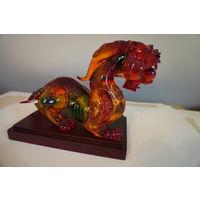 Статуэтка дракона. Китай - цветное стекло. Отличный подарок!