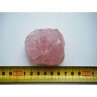 Коллекционный образец Розового кварца.