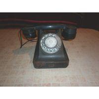 Телефон старинный 50-60-х годов.