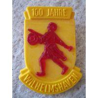 """Нагрудный памятный знак """"Городу Вильгельмсхафену 100 лет. ФРГ, 1969 год."""