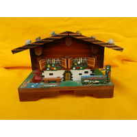 Музыкальный домик, рабочий, 12х9х9см.