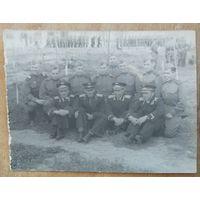 Фото группы военных. 9х12 см.
