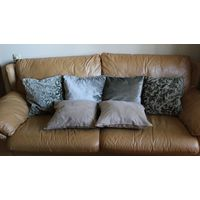 Подушки диванные (цена за 1 штуку) как новые