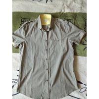 Рубашка в идеальном состоянии размер М