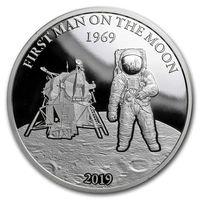 """Барбадос 5 долларов 2019г. """"Первый человек на Луне"""". Монета в капсуле; тематическом блистере. СЕРЕБРО 31,135 гр. (1 oz)."""