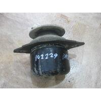 102229 VW passat B3/B4 подушка двигателя левая 3a0199402