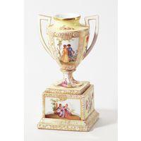 Фарфоровая ваза в стиле неорококо, роспись