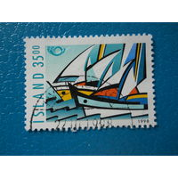 Исландия. 1998 г. Мi-885. Под парусом.