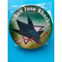 "Значок с Логотипом Хоккейного Клуба НХЛ  - ""Сан-Хосе Шаркс""."