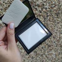 Прозрачная компактная фиксирующая пудра для лица Nars Light Reflecting Setting Powder 10 gr (Translucent)