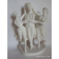 Старинная мраморная статуэтка. Клеймо . Подпись скульптора.