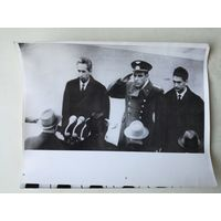 Фото космонавтов Комаров, Феоктистов, Егоров, 1964 г. переснято с оригинала