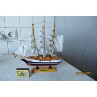 Кораблик - сувенир
