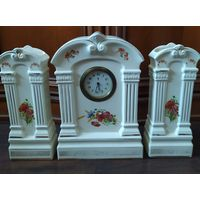 Старинные фарфоровые часы. Villeroy & Boch. Старое клеймо.