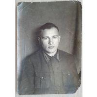 Фото ст.сержанта авиации с удостоверяющей подписью и печатью. Март 1942 г.9х13 см.
