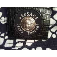 Модные джинсы Версаче