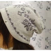 Шапка женская теплая фирменная TCM, размер 56