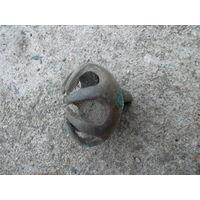 Старинный необычный колокольчик-бубенчик