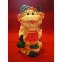 """Статуэтка - ваза - карандашница """" Коровка с цветком""""."""