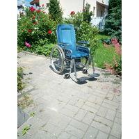 Коляска инвалидная с множеством регулировок Регулируются подножки, подлокотники, спинка, сиденье по высоте и даже легкость хода.