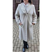 Пальто женское, р-р 50-52 (евро 46). Нарядное и практичное